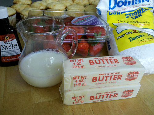 Strawberry Butter Cream Frosting Ingredients