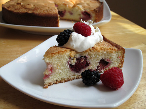 Almond Berry Cake with Cream