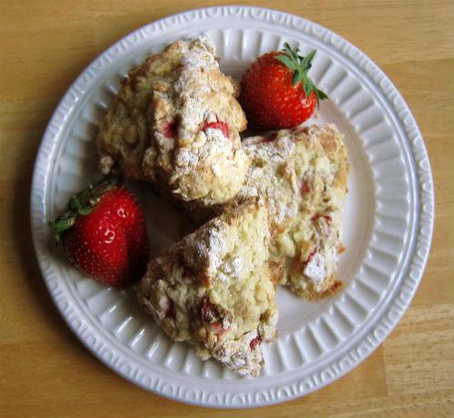 strawberry yogurt scones